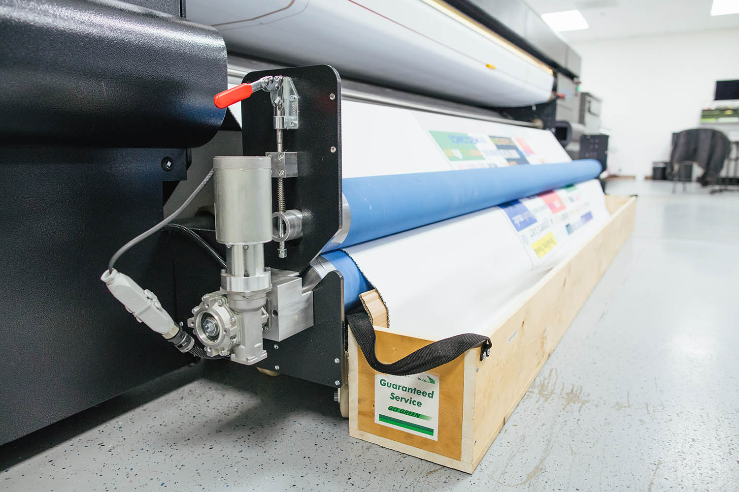 Roll-to-Sheet attachment for the Eos Series.