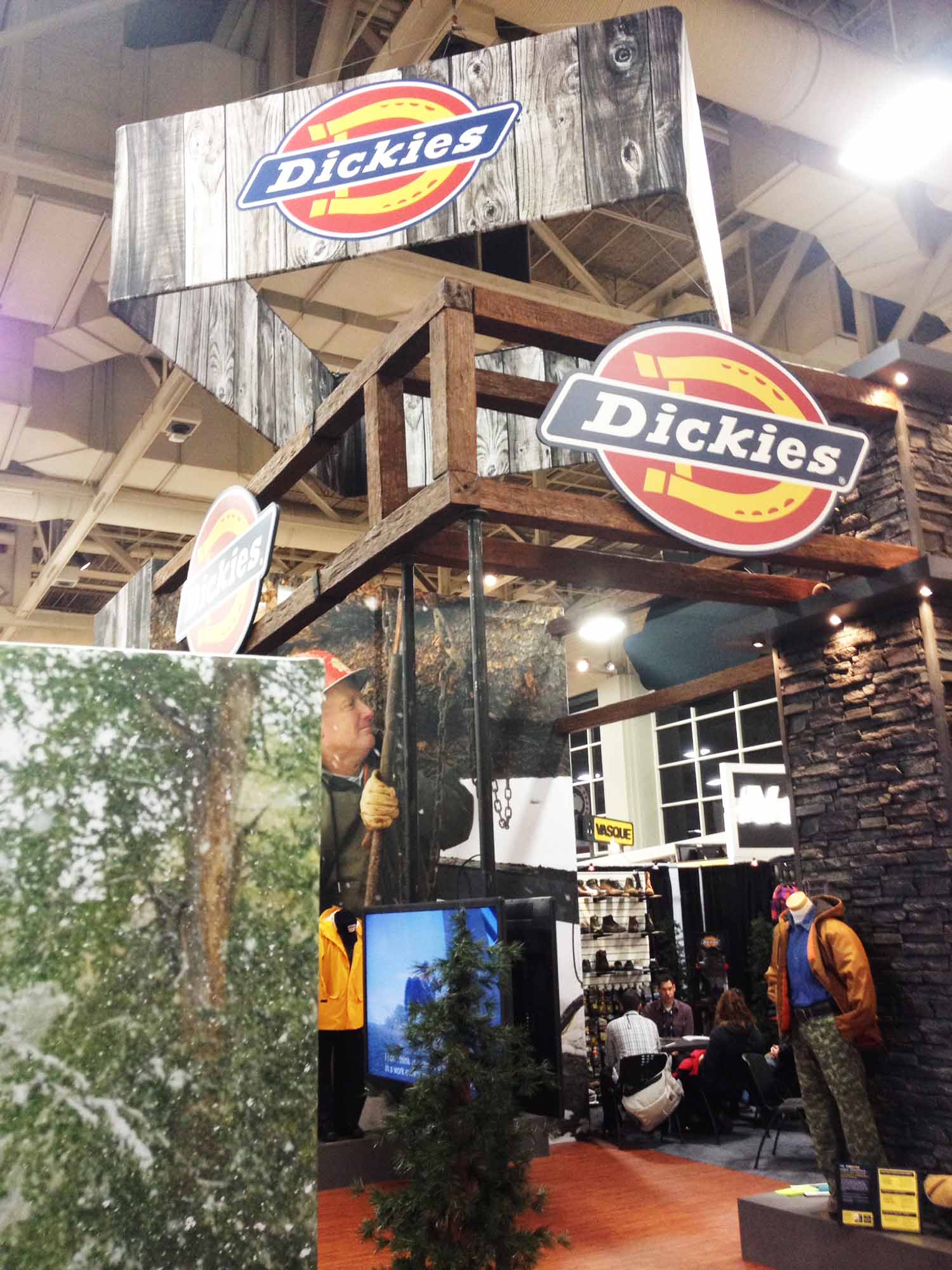 dickies-fabric-trade-show-booth-graphics