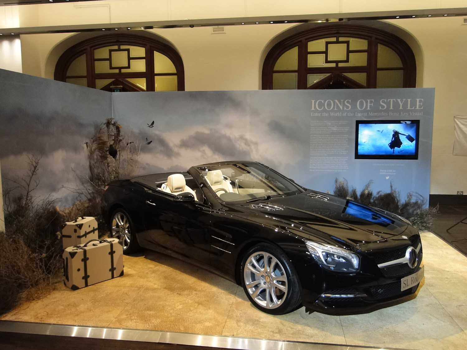 Frontlit Fabric Displays Global Imaging - Car show booth ideas