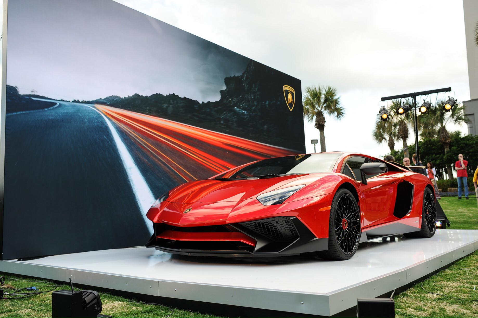 lamborghini-outdoor-fabric-exhibit