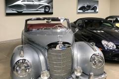 mercedes-museum-graphics