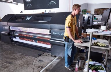 eos direct to fabric printer with operator