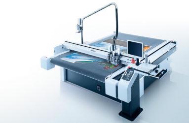 Cutting foam board with Zund G3 flatbed cutter